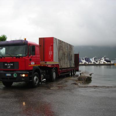 noleggio-pontoni-lago-garda